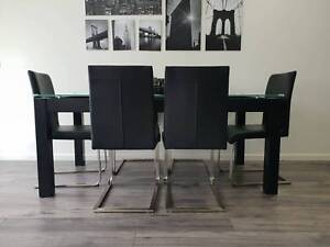 dining table ( 7 piece dining set)