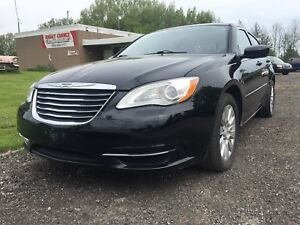 2013 Chrysler 200 withONLY 68,000kms!