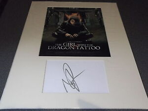 NOOMI-RAPACE-THE-GIRL-WITH-THE-DRAGON-TATTOO-ORIGINAL-AUTOGRAPH