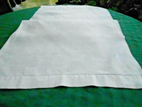 LARGE WHITE DAMASK TOWEL WITH A PRETTY PATTERN, CIRCA1920
