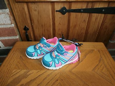 Toddler Girls Athletic Shoes by Garanimals  Size 4 M    NEW WITH TAGS