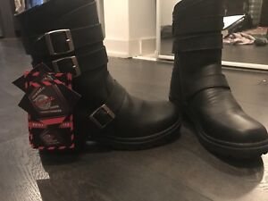 Milwaukee size 8.5 Women motorcycle boots, new with tag