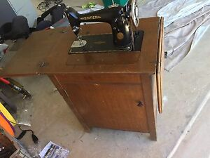 Singer treadle sewing maching Peregian Beach Noosa Area Preview