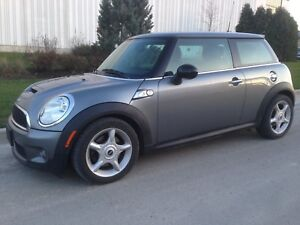 2009 Mini Cooper S - Turbo 6-Speed