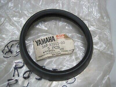 <em>YAMAHA</em> NOS SPEEDO  TACHOMETER TOP RUBBER TRIM 360 83513 RD250 RD350 1
