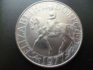 1977 CROWN COIN STRUCK TO COMMEMORATE THE QUEENS SILVER JUBILEE CROWN COIN.