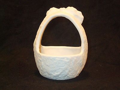 Christmas Basket Holiday Favor / Candy Dish - Ceramic Bisque Ready to Paint