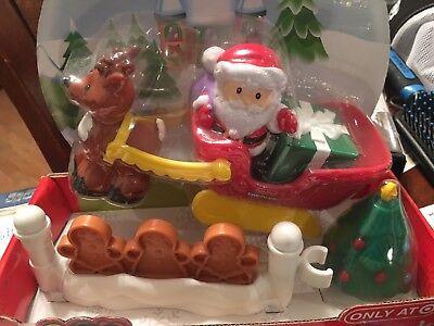 NEW LITTLE PEOPLE CHRISTMAS NORTH POLE SANTA CLAUS REINDEER SLEIGH TREE TARGET  ()
