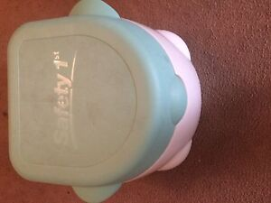 Safety 1st potty and seat. EUC. $20