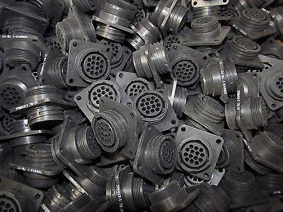 10 Each  Amp Amphenol 206043 1 Te Connectivity 206043 1 14 Pin Female Cpc Sq
