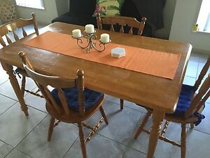 Dinning Table and 4 Chairs Nowra Nowra-Bomaderry Preview