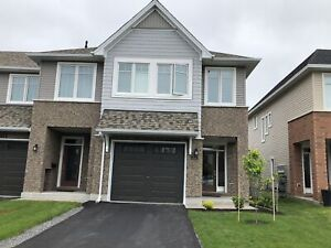 Beautiful 3 bed townhome, east end, finished bsmt-879 Riverview