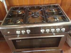 900 Westinghouse upright stove Newtown Geelong City Preview
