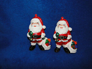 NEW-VINTAGE-CHRISTMAS-4-SANTA-PLASTIC-DECORS-PACKAGE-OF-TWO