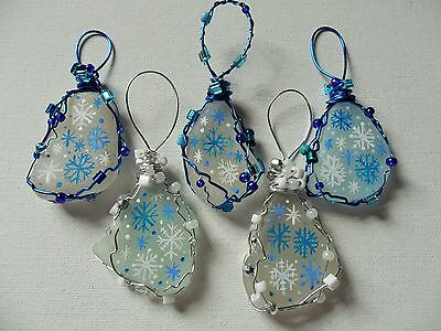Set 5 blue white snowflakes - Hand painted sea glass Christmas tree decorations - Blue Snowflakes Decorations