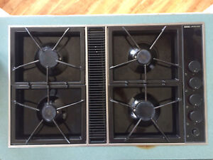 Jenn-Air gas cooktop with downdraft