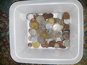 COIN COLLECTION. VERIETY OF OLD & NEW. FROM ALL OVER THE WORLD. Kelmscott Armadale Area Preview