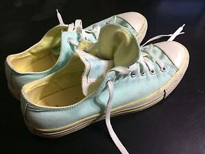 Size 10 Easter blue and yellow double-tongue Converse All-Stars