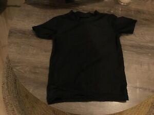 black kids  rashie top worn twice, ready for summer!