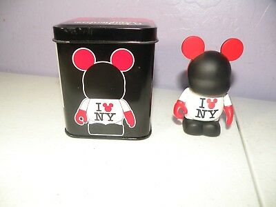 Disney Store VINYLMATION I LOVE NY New York MICKEY MOUSE Heart with Tin ()