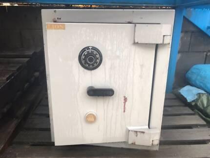 Safe - Commercial Lion M1 Safe