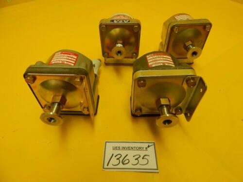 Barksdale D2T-H18-GE32 Pressure Switch Balzers BB 149 038-T Lot of 4 Used