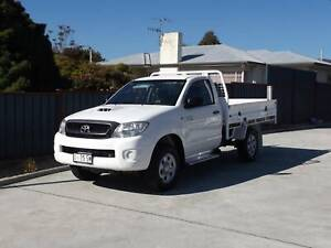 2010 Toyota Hilux SR 4x4 *VERY LOW KMS*