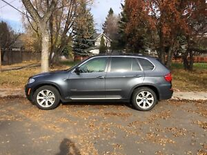 2012 BMW X5 50i - Extended Warranty Included