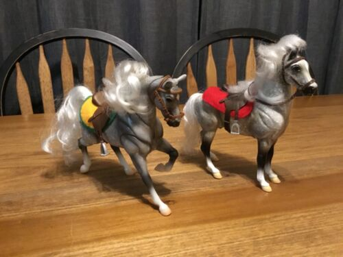 LOT OF 2 BREYER HORSES W/ACCESSORIES 1 POSEABLE SILVER/GRAY SADDLES