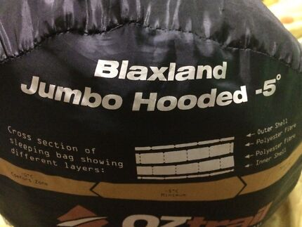 2 x Oztrail blaxland jumbo hooded sleeping bags - can zip together
