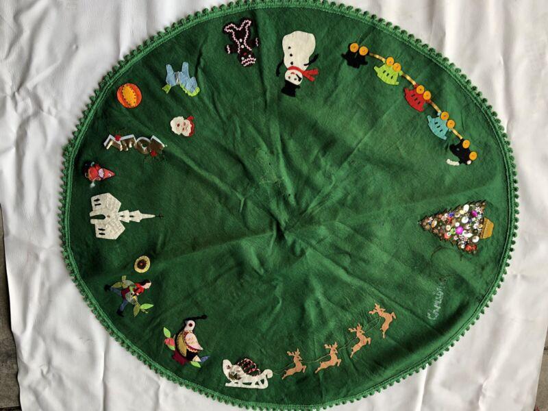 "Vintage Home Made Green FELT CHRISTMAS TREE SKIRT With Embellishments 44"""