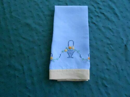 LARGE ANTIQUE BLUE LINEN TOWEL/HAND CROSS STITCHED FLOWER BASKETS, CIRCA 1930