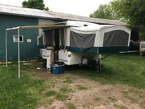 2002 Coleman Santa Fe pop up trailer
