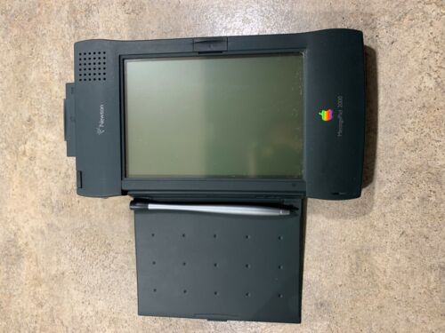 Apple Newton MessagePad 2000 (APPLE Surplus, No Data Entered or Used)