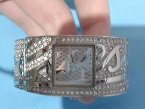 *MOVING SALE* Guess Watch Casino Richmond Valley Preview