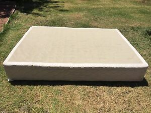 Base for queen size bed Echuca Campaspe Area Preview