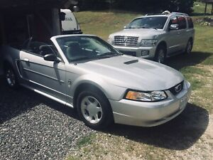 1999 Ford Mustang Cabriolet - very clean