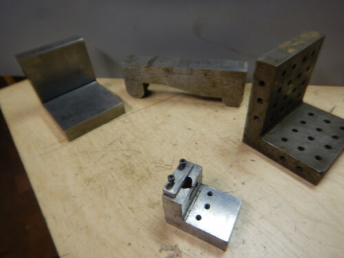 PILE OF OLDER ANGLE PLATES AND SINE BAR MACHINIST TOOLING