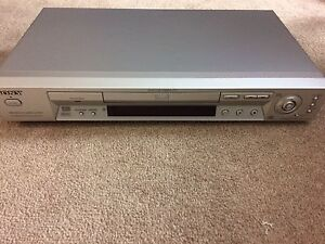 SONY DVD PLAYER LIKE NEW!!!