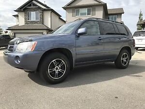2003 Toyota Highlander V6 4WD **SUPER LOW MILEAGE!!!**