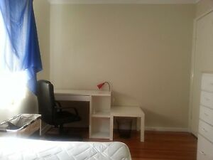 Whole house for rent -- 49 steps into Deakin Uni. Burwood Whitehorse Area Preview