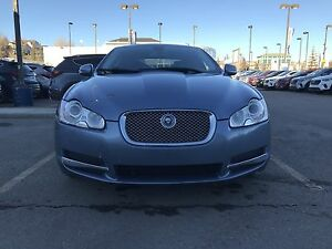 2009 Jaguar XF sedan. 300hp V8, Navi $16999