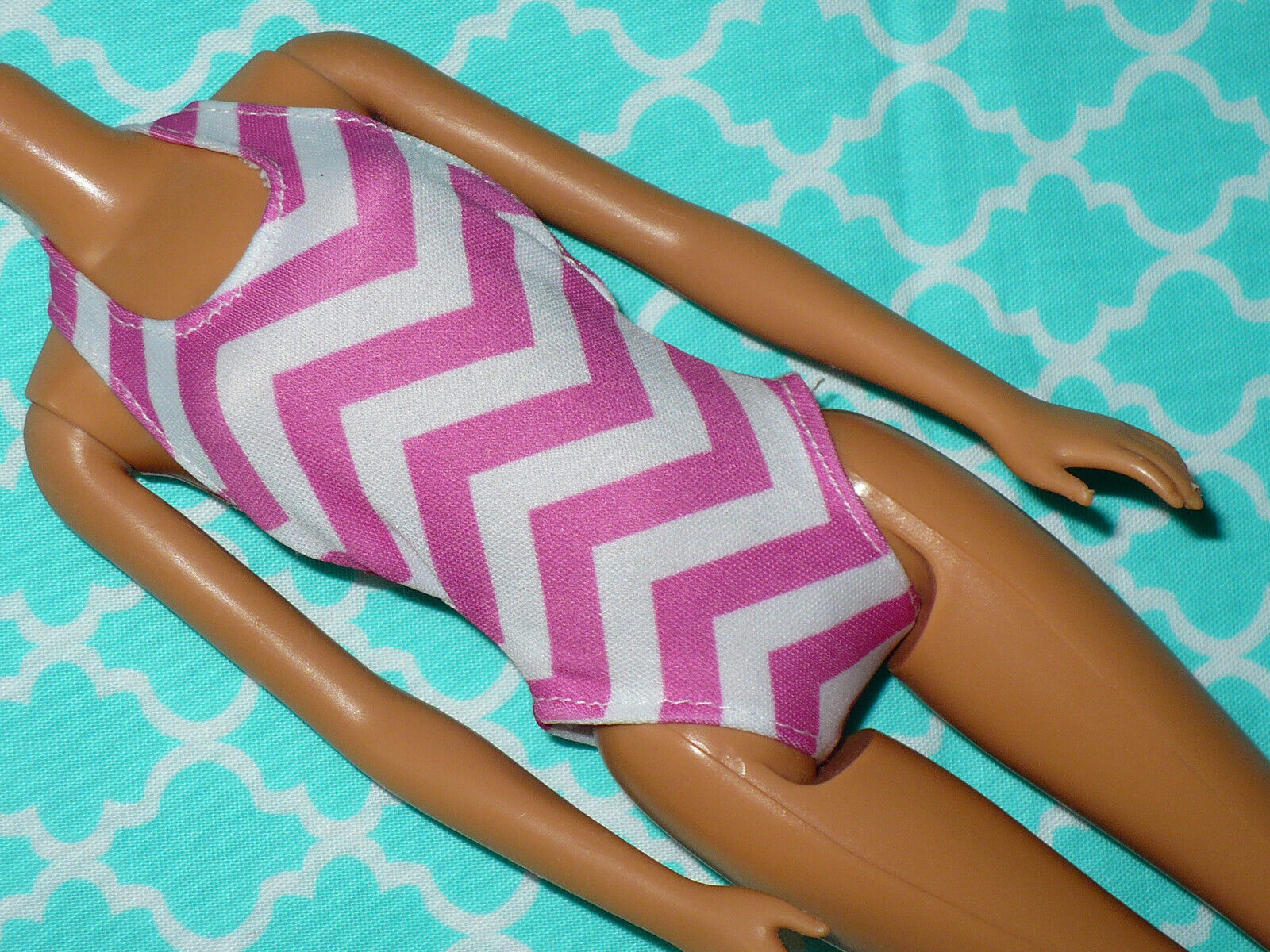 Mattel Barbie Doll Clothing WHITE PINK CHEVRON BATHING SUIT SWIMSUIT 1 Piece - $12.79