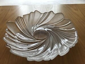 Decorative glass accent bowl/ centrepiece