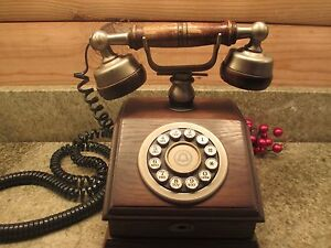 VINTAGE-FRENCH-STYLE-BELL-WESTERN-ELECTRIC-TOUCH-TONE-DIAL-WOODEN-TELEPHONE
