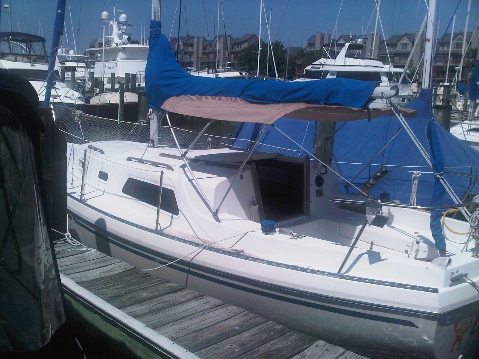 1979 WATKINS 27 SAILBOAT Located in ANNAPOLIS, MARYLAND - NO TRAILER