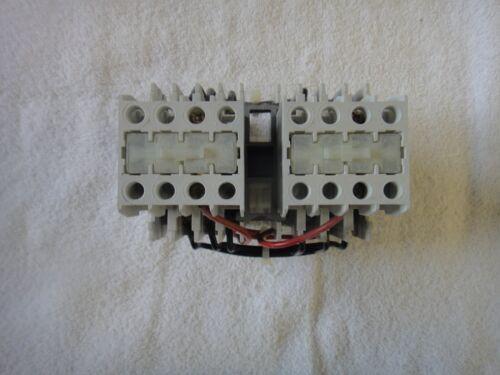 Eaton Cutler-Hammer Reversing Contactor 110/120V 50/60Hz   CE55BN3  Ser B1