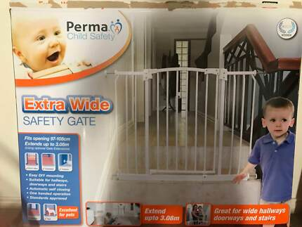 Perma Child Safety Gate (Extra Wide) NEW