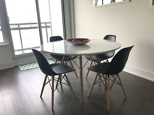 Large round dinning table with 4 chairs