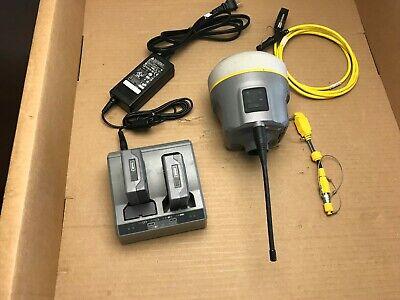 Trimble R10 Gnss Gps Baserover Receiver W 450-470 Mhz Radio Galileo Glonass